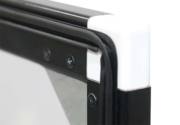 رزین بین درب و بدنه دستگاه جوجه کشی 126 تایی