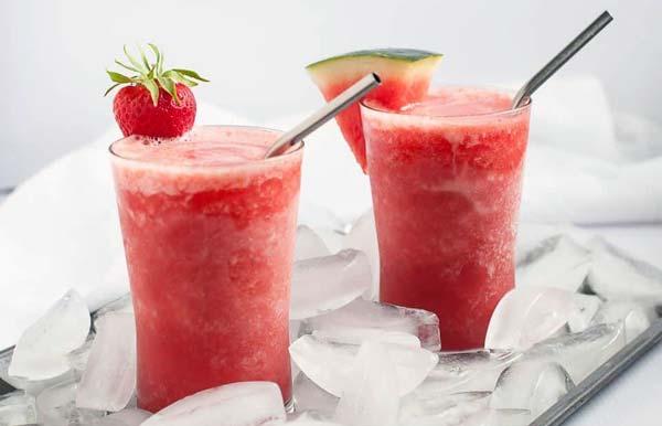 طرز تهیه آبمیوه یخی هندوانه