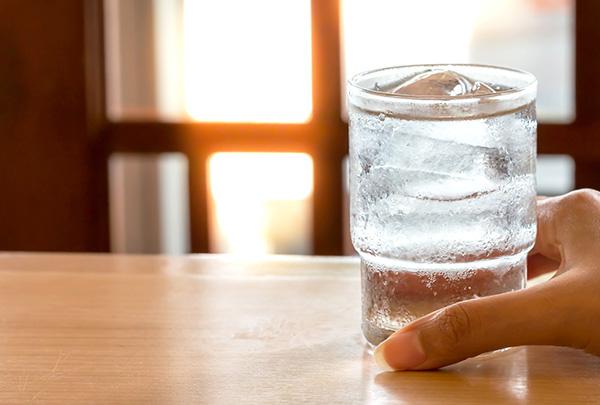 فواید نوشیدن اب خنک - فروشگاه اینترنتی اندیشه سبز