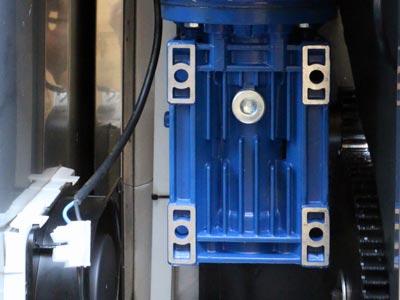 امکان انتخاب ظرفیت و قدرت موتور دستگاه یخ خردکن